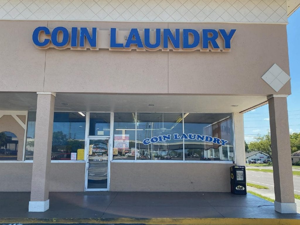 Front of Sunset Pointe Laundromats
